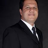 Dr. Celso Ricardo